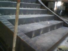 丰台区安装旋转楼梯 高低档楼梯安装焊扶手